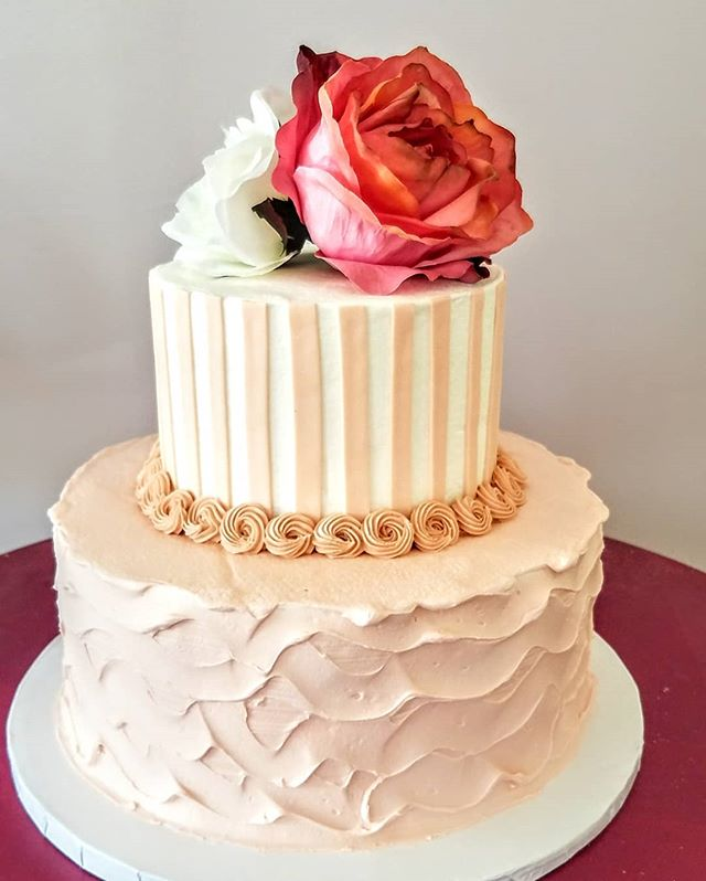 Love this sweet two tier cake for a birthday, shower or small wedding #specialty