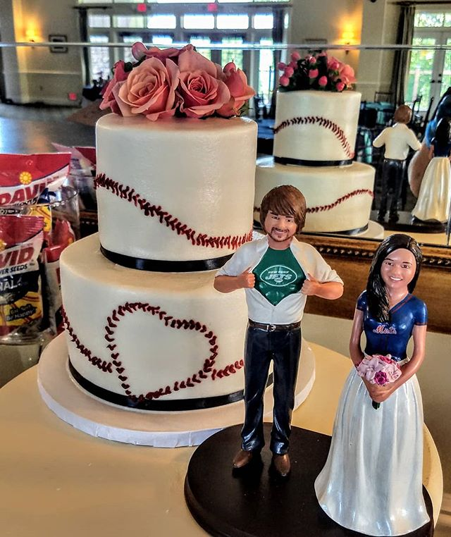 God bless America and baseball! #baseballweddingcake from last weekend!